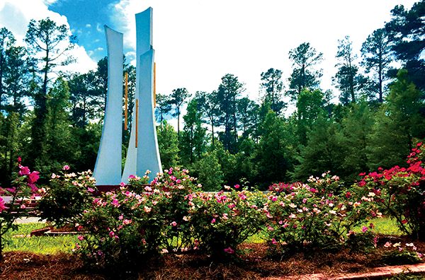 The american rose center lola magazine for The gardens of the american rose center